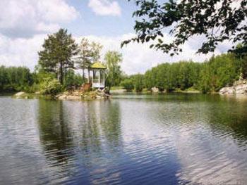 Одно из таких озер — озеро ая голубая