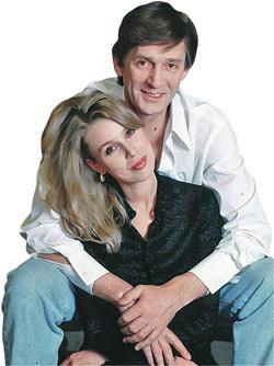 Александр Абдулов со своей гражданской женой, молодой балериной Галиной Лобановой