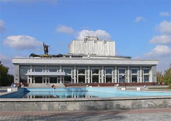 краевой театр драмы им. Шукшина, Барнаул