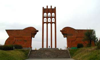 Сардарапат – мемориальный комплекс героям Сардарапатского сражения 1918 г.