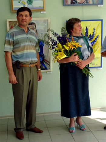 Анатолий Щетинин на выставке Ольги Яуровой, в своей галерее