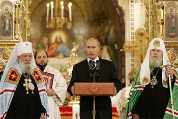 Подписание Акта о каноническом общении Русской православной церкви в Отечестве и за рубежом – событие исторического масштаба и огромного нравственного значения, подчеркнул Президент.