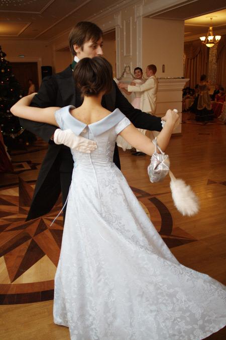 В списке танцев – гусарская