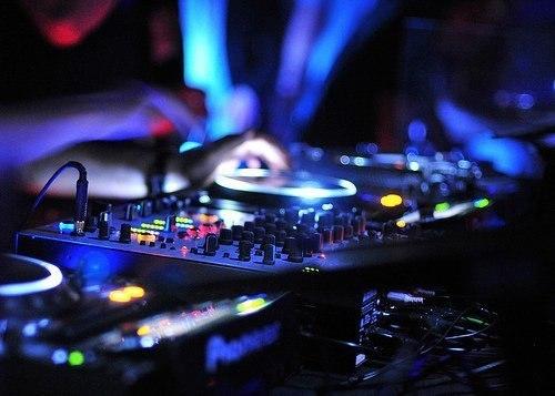 скачать музыку электронную через торрент